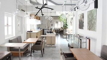 Мінімалізм в інтер'єрі кафе
